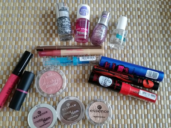 Essence - Rouge aux Ongles