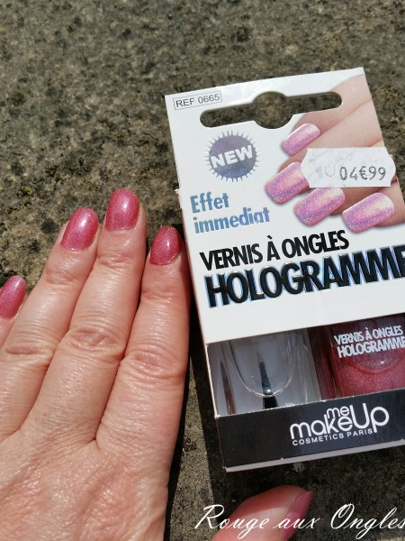 Hologramme - Rouge aux Ongles