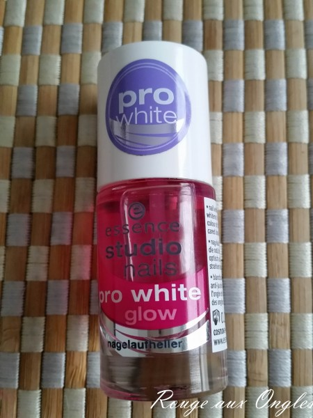 Pro White Glow Essence - Rouge aux Ongles