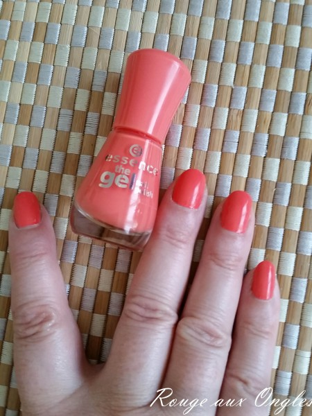 Le Vernis Gel Madarine Bay d'Essence - Rouge aux Ongles