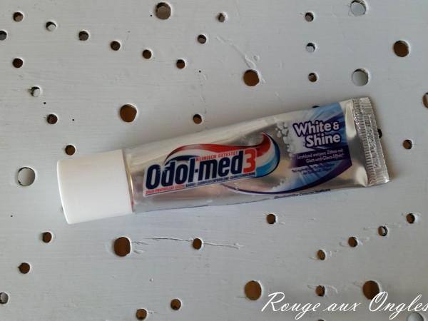 Dentifrice Odol Med3 - Rouge aux Ongles