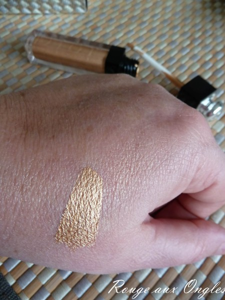 Le Dior Addict Fluid Shadow - Rouge aux Ongles