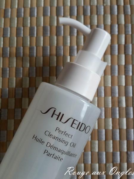 L'Huile Démaquillante Parfaite de Shiseido - Rouge aux Ongles