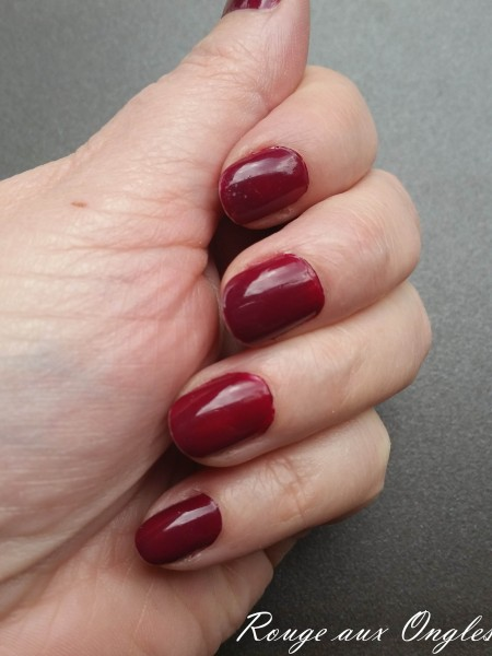 L'Easy Gel Polish de P2 - Rouge aux Ongles