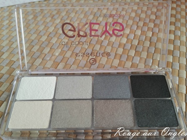 La GlossyBox de Novembre 2015 - Rouge aux Ongles