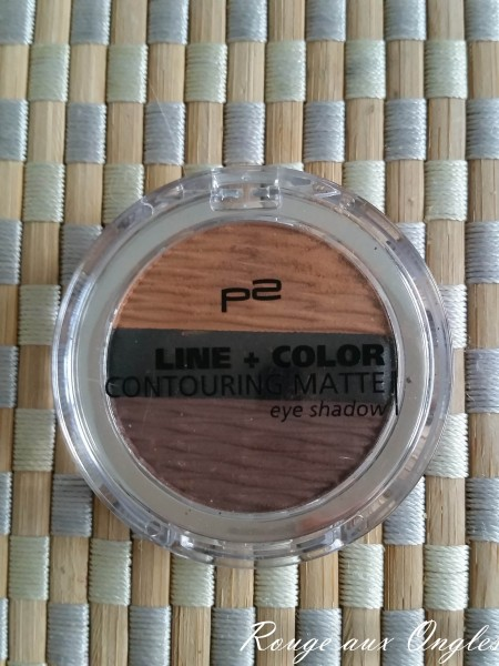 Line + Color Contouring Matte Eye Shadow de P2 - Rouge aux Ongles