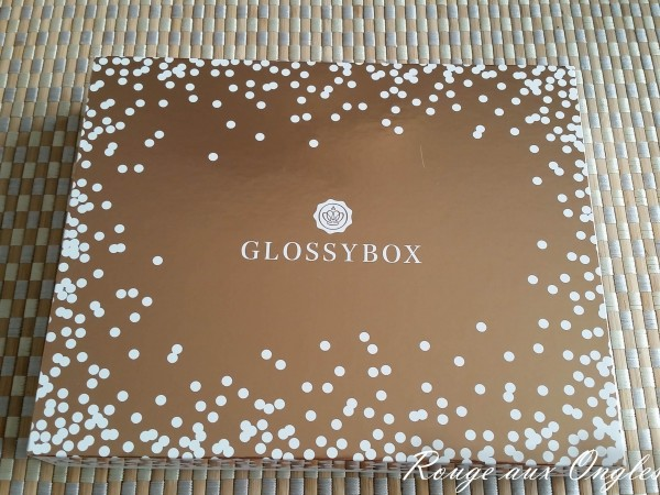 La GlossyBox Edition Limitée Rose Gold - Rouge aux Ongles