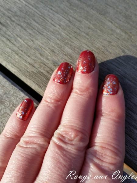 Ma Manucure de Noël - Rouge aux Ongles