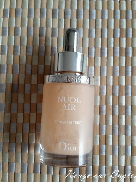 Fond de Teint Nude Air de Dior - Rouge aux Ongles