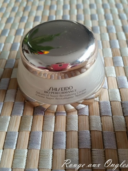 Advanced Super Revitalizing Cream de la gamme Bio-Performance de Shiseido - Rouge aux Ongles