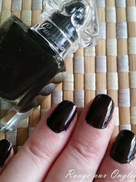 Le Vernis à Ongles Black Perfecto de Guerlain - Rouge aux Ongles