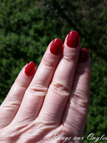 Le Vernis à l'Huile de l'Oréal - Rouge aux Ongles