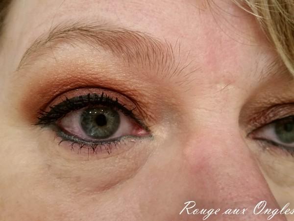 L' Artist Stroke Mineral Loose Eyeshadow de Kiko - Rouge aux Ongles