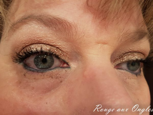 Le Moodstruck 3D Fiber Lashes de Younique - Rouge aux Ongles