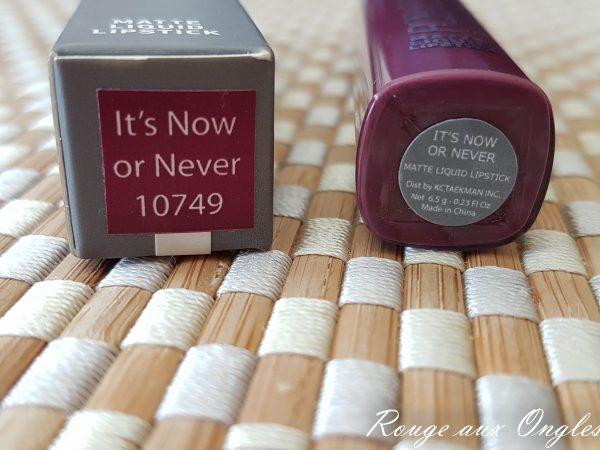 Le Matte Liquid Lipstick de Pop of Color - Rouge aux Ongles