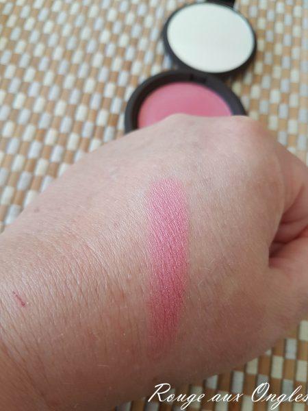 Le Blush Foxglove de Becca - Rouge aux Ongles